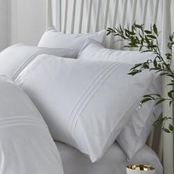 Minimalist Double duvet and pillow set, 200 x 200cm, white