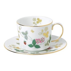 Wild Strawberry Teacup & saucer, white/gold