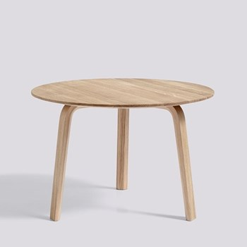 Bella Coffee table, H39 x W60 x D60cm, oak