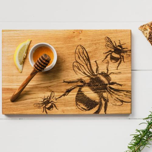 Bee Serving board, L30 x W20cm, Oak