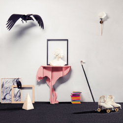 Diva Ostrich console table, H76 x L71 x W25cm, Pink