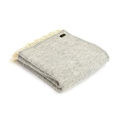 Fishbone Knee rug, 70 x 183cm, silver grey