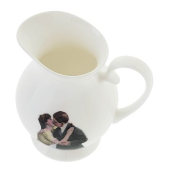 Kissing Couple Cream jug, H10 x W10cm, crisp white
