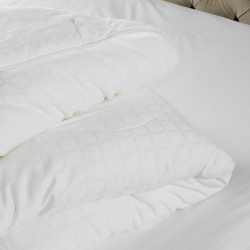 Soft and Light Breathable Super king size duvet 10.5 tog, 260 x 220cm, White
