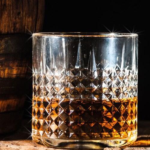 Kentucky bourbon trail break for two