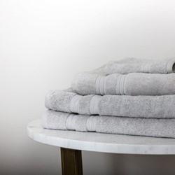 Towel set including 2 bath towels , 1 hand towel, 1 face cloth