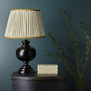 Table lamp in wood - base only H36 x W18cm