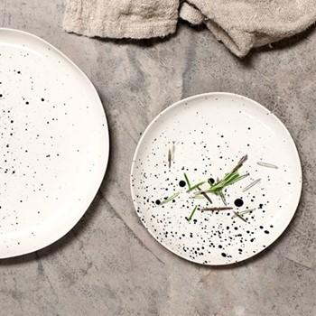 Ama Side plate, D2 x 19cm, splatter