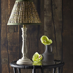 Daisy Table lamp - base only, H26 x W13cm, whitewash