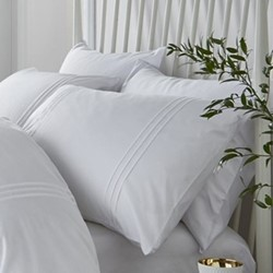 Minimalist King size duvet and pillow set, 220 x 230cm, white