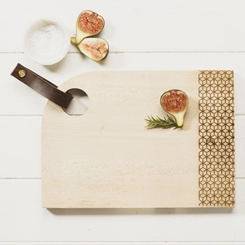 Medium curved sycamore serving board with leather tab L35 x W25 x H2cm