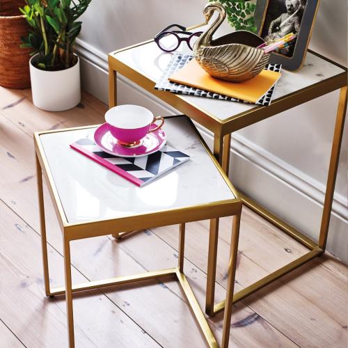 Set of 2 nesting tables, white marble/brass