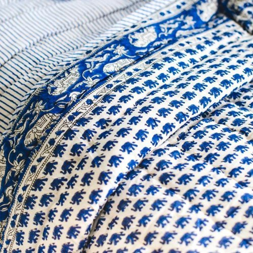 Elephant King/super king size quilt, 265 x 265cm, Blue 200 Thread Count Cotton