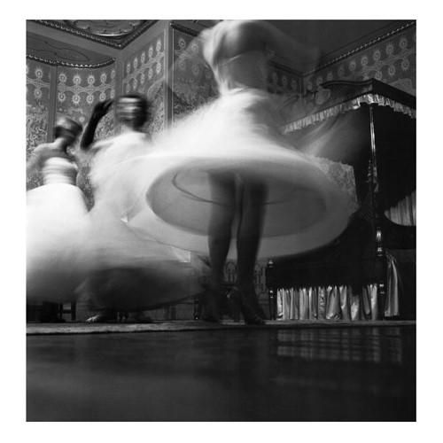 Pavilion Blur Framed photograph, H61 x W61cm