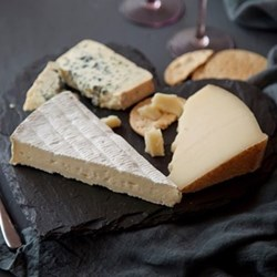 Heart cheeseboard gift box 29cm