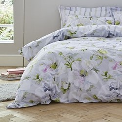 Arctic Poppy King size duvet cover and pillowcase set, 220 x 230cm, white/green
