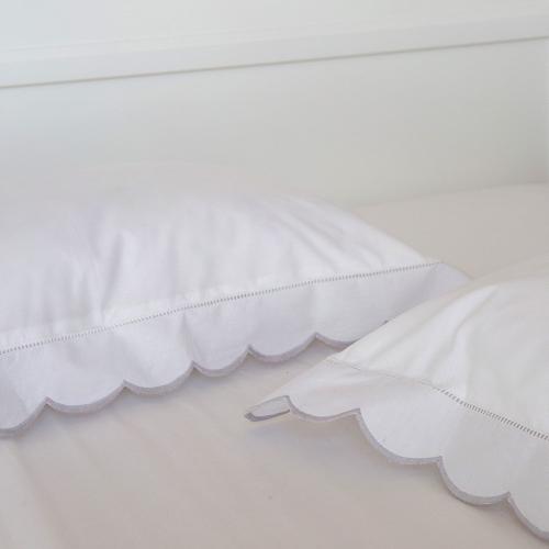 Scalloped Edge Standard pillowcase, 50 x 75cm, Light Grey 200 Thread Count Cotton