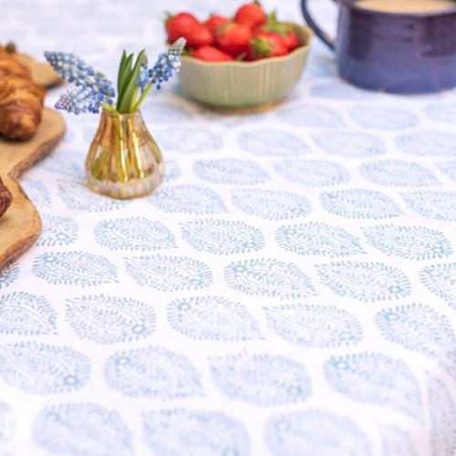 Leaf Tablecloth, 150 x 250cm, Blue Cotton