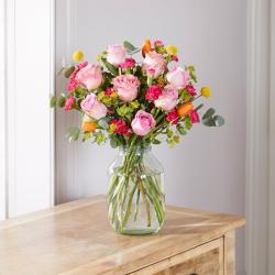Lux Letterbox flower subscription, 6 months