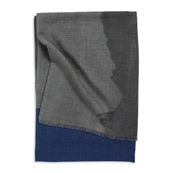 Vista Throw, 200 x 145cm, soft grey/blue