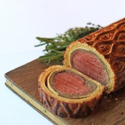 Beef wellington experience with sparkling rosé for two at savoy grill
