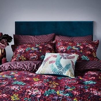Oriental Peony Super king size duvet cover, L220 x W260cm, berry