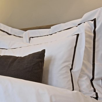 Mono - 800 Thread Count Square standard pillowcase, W65 x L65cm, espresso on white sateen cotton