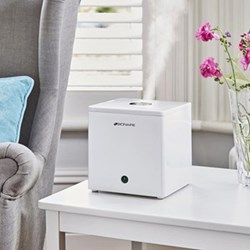 Compact cube humidifier