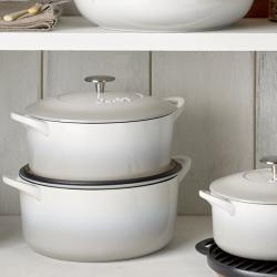 Natural Cast Iron Round casserole dish, D24cm, Light Grey