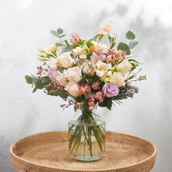 Lux Letterbox flower subscription, 12 months